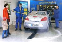 Немцы очень любят мыть свои машины, фото 1
