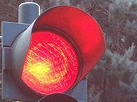Столичным водителям разрешат поворачивать направо при запрещающем сигнале светофора, фото 1