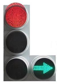 «Наши» требуют разрешить поворот направо при любом сигнале светофора, фото 1