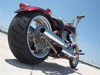 Минфин предлагает увеличить налог на дорогие автомобили, мотоциклы, гидроциклы, катера и яхты, фото 1