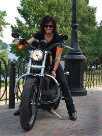 Солист Quest Pistols будет бороздить просторы Мексики на мотоцикле Harley Davidson, фото 2