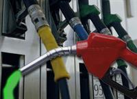 Каждая пятая АЗС торгует некачественным бензином, фото 1