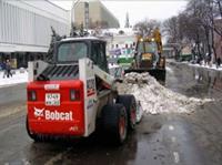 На борьбу с первым снегом вышли более 8 тыс. машин, фото 1