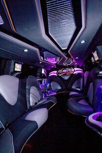 Внедорожник Audi Q7 получил версию лимузин, фото 2