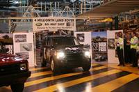 Land Rover передает четырехмилионный автомобиль в дар «Born Free», фото 1