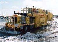 В столице начали работу мобильные снегоплавильные установки, фото 1