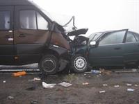 Аварийные автомобили эвакуируют с места ДТП по воздуху, фото 1
