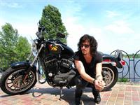 Солист Quest Pistols будет бороздить просторы Мексики на мотоцикле Harley Davidson, фото 1