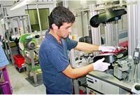 Hella урезает зарплаты и сокращает рабочих, фото 1